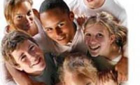 Un grupo de gente joven