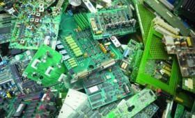 Miles de millones de dólares, escondidos en la basura electrónica
