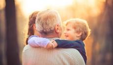 Los abuelos, en la retaguardia del frente de la pandemia