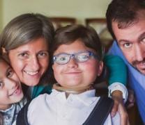 La alegría de vivir de Andrés Marcio, joven con una enfermedad inmovilizante